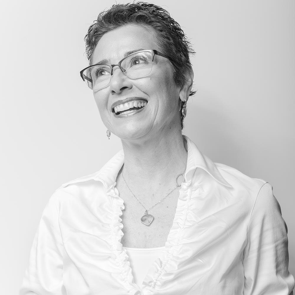 nancyrieves-portrait-square-laugh